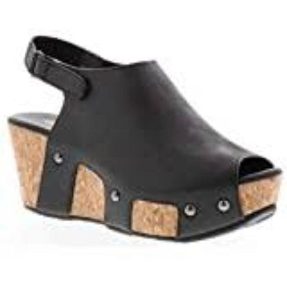 Volatile Women's Carrotcake Slide Sandal -